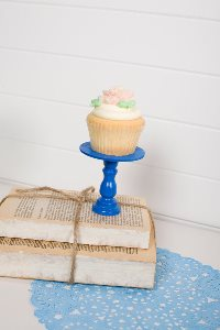 Mini Wooden Cupcake Stand - Bright Blue