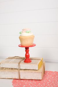Mini Wooden Cupcake Stand - Red