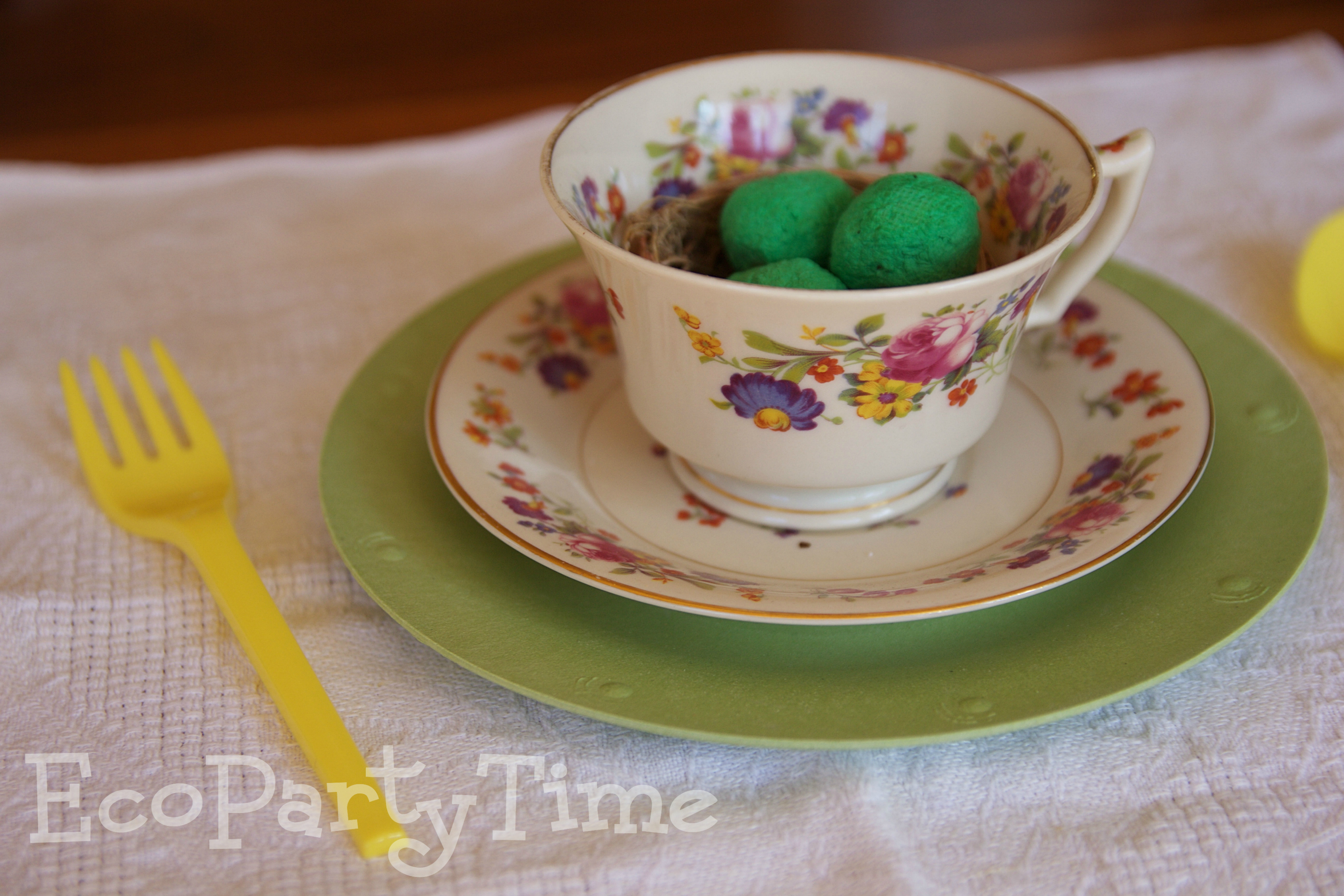 Ecopartytime: Eco-Friendly Easter Table-Settings