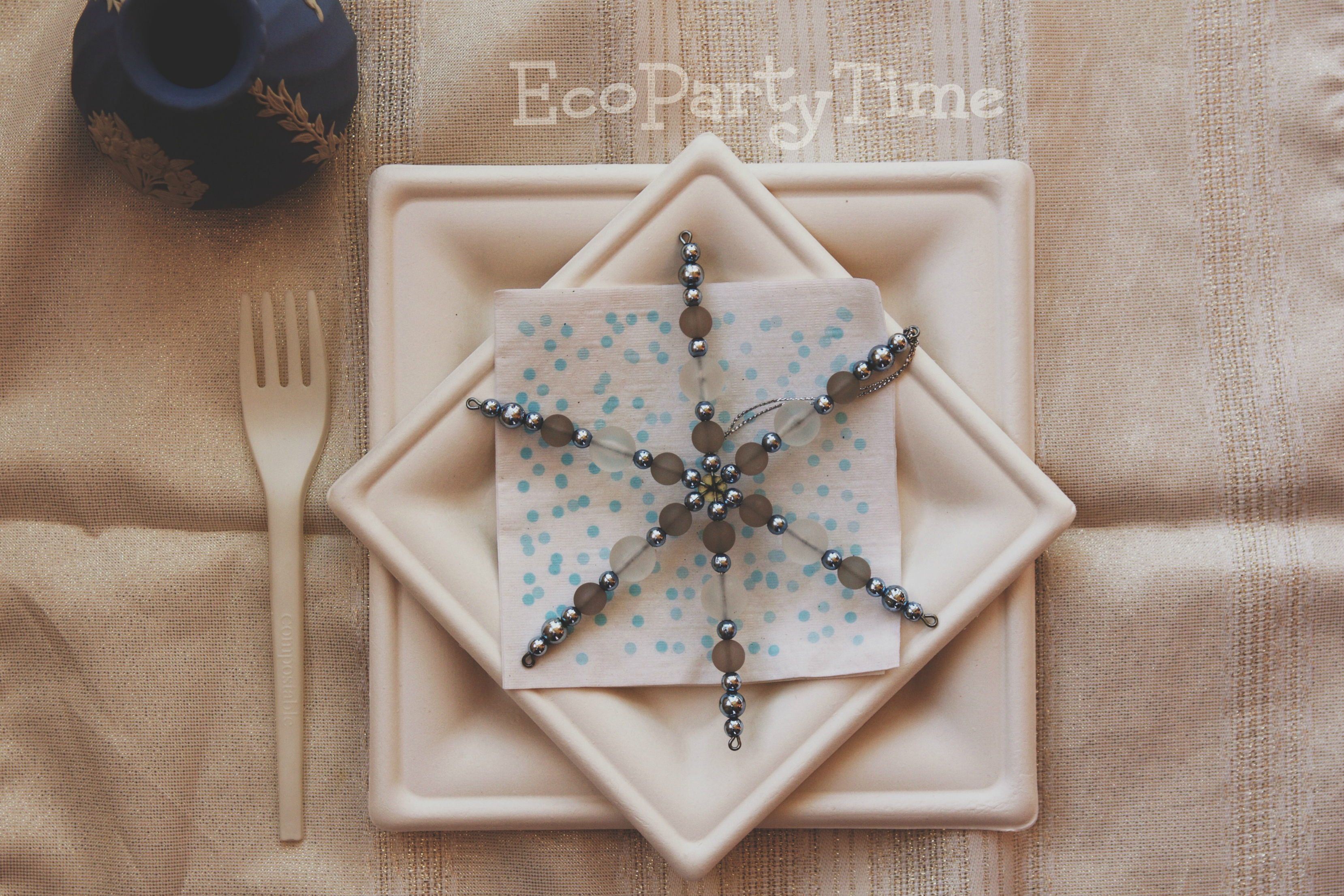 EcoPartyTime: Snowflake Chic Table Setting