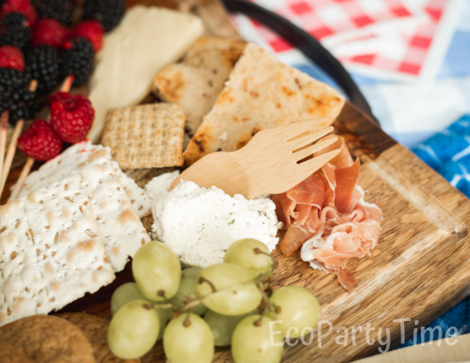 July 4th Picnic Cheese Board-Ecopartytime