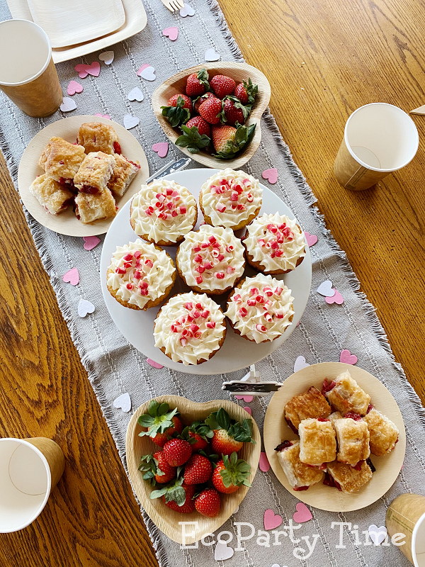 Eco-friendly Valentine Essentials for a Tea Party - Heart Palm Leaf plate