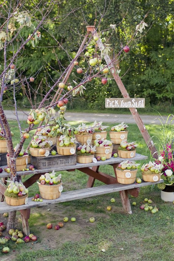 Sustainable Apple Wedding by Ecopartytime - Apple Wedding Gift Baskets