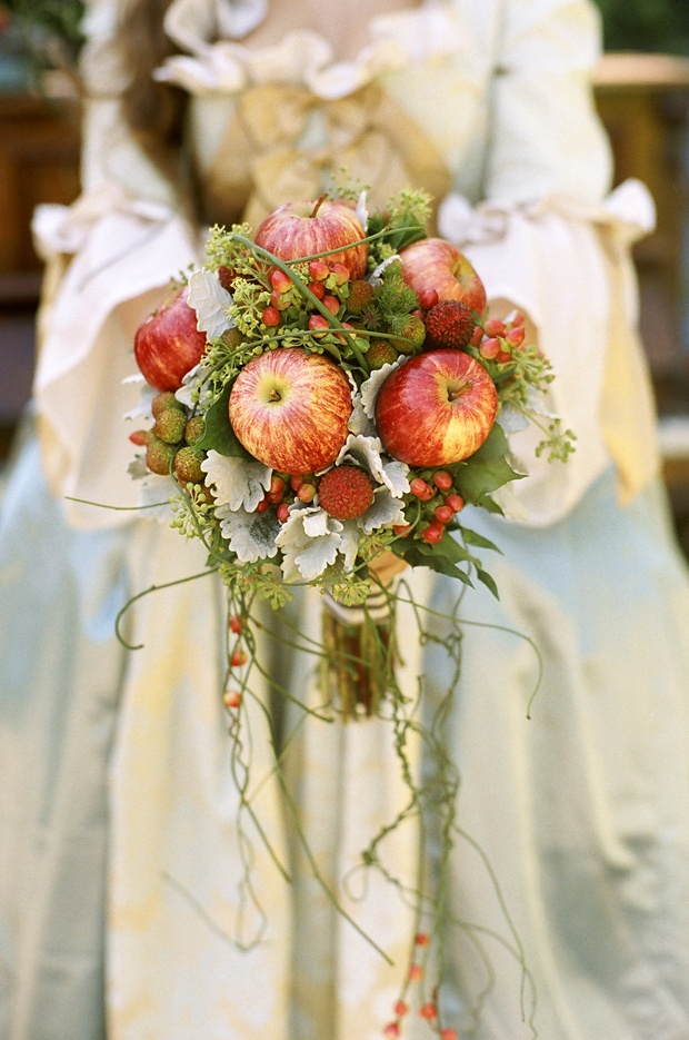 Sustainable Apple Wedding by Ecopartytime - Apple Wedding Bouquet