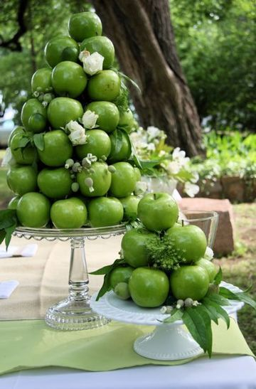 Sustainable Apple Wedding by Ecopartytime - Apple Dessert Table Display