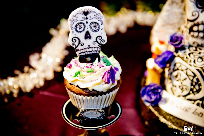 Green Halloween Must Haves from Ecopartytime - Day of the Dead Decorations