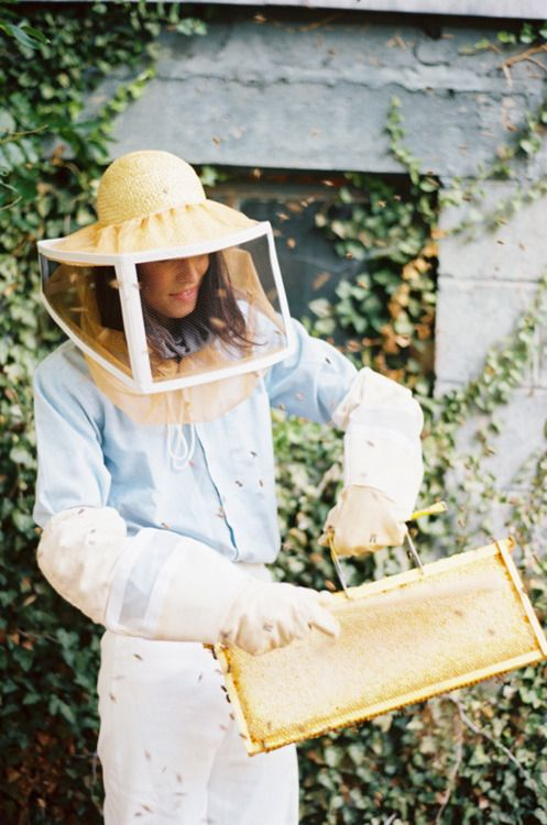 Sweet & Eco-chic Honey Bee Wedding Must-Haves from Ecopartytime - Honeybee Bee Keeper