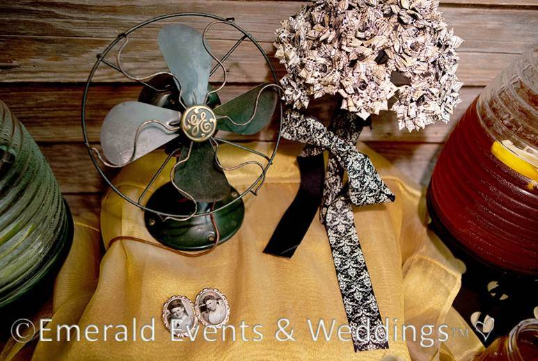 Sweet & Eco-chic Honey Bee Wedding Must-Haves from Ecopartytime -  Theme Decor Ideas