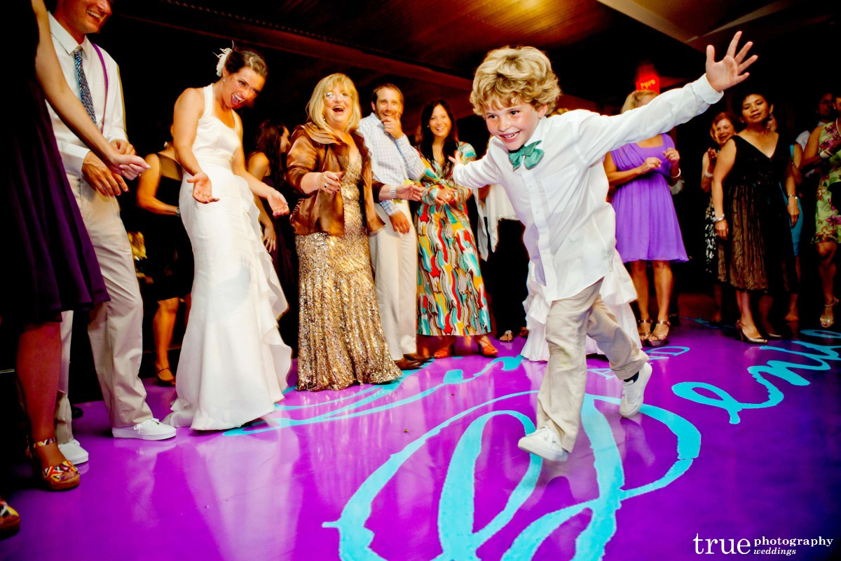 Kid-friendly Green Wedding Essentials from Ecopartytime - Kid Friendly Wedding Dancing